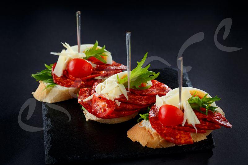 Мини Сандвич с Испанско Чоризо – 15 бр.