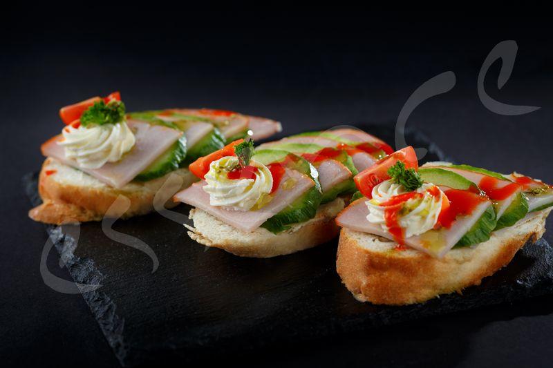 Мини Сандвич с Пушено Свинско  Бон Филе 15 бр.